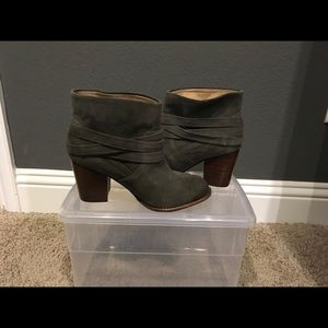 Splendid Women's Laventa Boot in grey